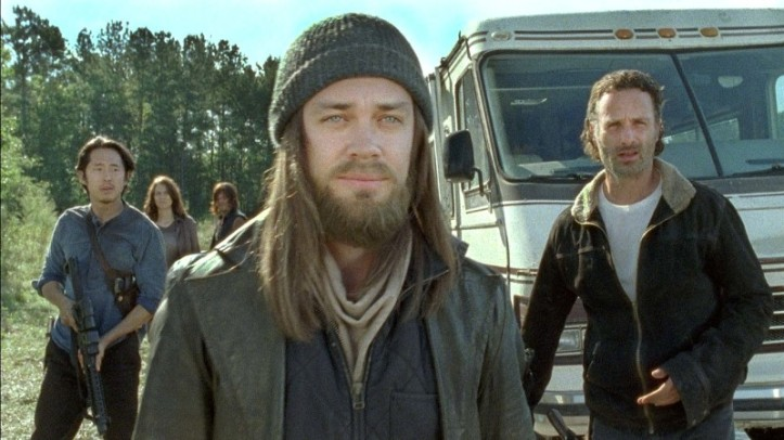 TWD S6 E11 Jesus Outside Hilltop