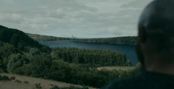 History Channel's Vikings Season 4 Episode 9 Ragnar looks over at Paris