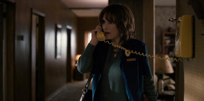 Netflix's Stranger Things Season 1 Episode 1 Joyce on the phone