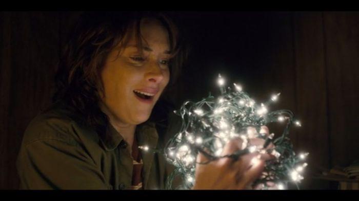 Netflix's Stranger Things Season 1 Epiosode 3 Joyce