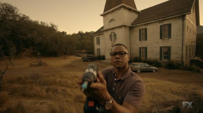 FX's 'American Horror Story Roanoke' Chapter 1 Matt instals cameras