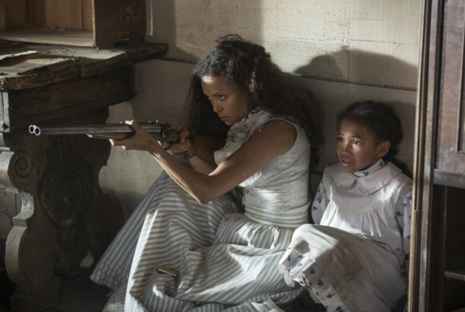 HBO's 'Westworld,' Season 1, Episode 2, Thandie Newton as Maeve and Jasmyn Rae as Homestead Girl
