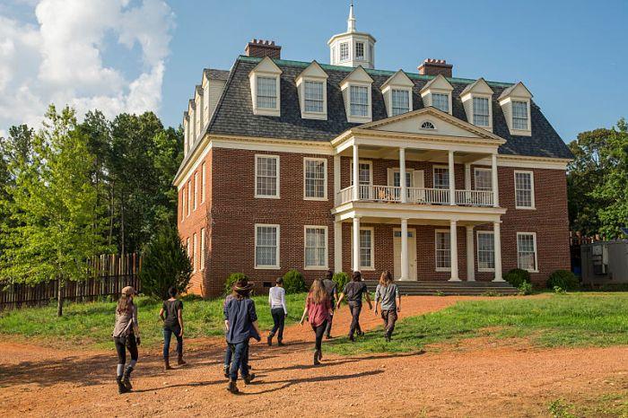 AMC's 'The Walking Dead,' min-season finale, Season 7, Episode 8, Hearts Still Beating, Rick's group at Hilltop